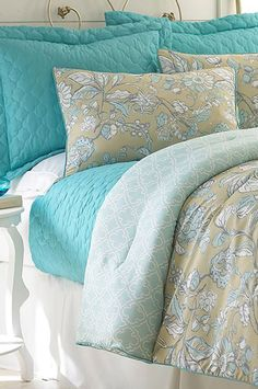 Another great find on Teal Eloise Comforter Set by Colonial Home Textiles Master Bedroom, Bedroom Decor, Bedroom Ideas, Comfy Bedroom, Cute Bedding, Latest Colour, Cozy Bed, Bed Spreads, Home Textile