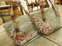 11월 두번 째 주 수강입니다 ~ * 기본스티치 (초.중급과정) 수강과 . . . . * 고급과정인 입체자수 수강 . ... Embroidery Bags, Embroidery Patterns, Carpet Bag, Jute Bags, Kids Backpacks, Handmade Bags, Purses And Handbags, Bag Making, Burlap