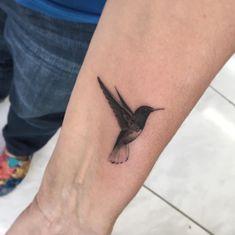 Beautiful Blackwork Hummingbird by Fillipe Pacheco