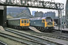 BR King's Cross Station suburban platforms with DMU and class 47 Locomotive Engine, Electric Locomotive, Diesel Locomotive, Steam Locomotive, E Electric, Train Room, Abandoned Train, British Rail, Great Western