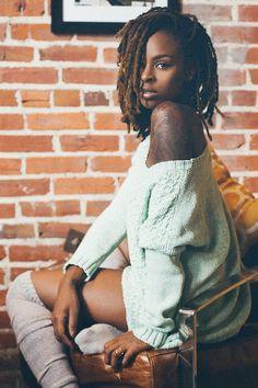 """Sentindo dificuldade em encontrar referências de tatuagens em pele negras, Jota C Angelo do blog """"O último Black Power"""" criou um seleção com belíssimas fotos de pessoas negras tatuadas. Confira:"""