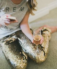 A little sparkle. (I could never pull off wearing these pants, but they are cute. I mainly pinned this because of the glass of alcohol in her hand.) ★ #details #fashion #inspiration #style #streetstyle