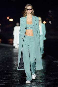 Fashion 2020, Look Fashion, Runway Fashion, Spring Fashion, High Fashion, Fashion Beauty, Fashion Show, Fashion Design, Fashion Trends