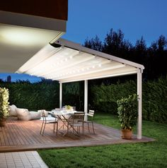 Pergole Unica 130, pergole retractabile Gibus pentru terase, optional incorporeaza in profile sisteme de iluminat led-light. Imagine pergola terasa nocturna,unica 130 focus. http://gibus.ro/pergole-retractabile/pergole-retractabile-med-130/13-pergole-retractabile-med-unica-130
