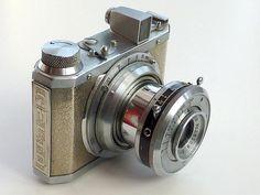 Gelto D-III camera