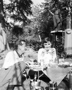 Audrey Hepburn and Gary Cooper on the set of Love in the Afternoon (1957) Audrey Hepburn Movies, Audrey Hepburn Born, Audrey Hepburn Quotes, Hollywood Actor, Golden Age Of Hollywood, Old Hollywood, Gary Cooper, Film Institute, Star Wars