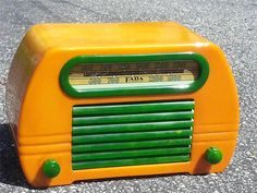 Vintage Fada Catalin Bakelite Radio Green and Yellow | eBay