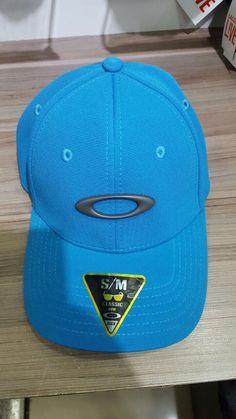 Boné da OAKLEY MODELO tincan na cor azul royal muito bonito 33e045e6947