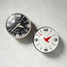 Bubble Wall Clock from West Elm - oh my gosh I love this (christmas present hint hint)