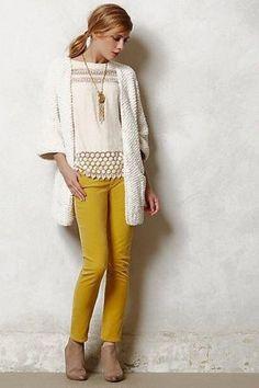 42 Popular Mustard Pants Outfit Ideas For Beautiful Women Like You - Fashionmoe Cute Fall Outfits, Casual Outfits, Fashion Outfits, Spring Outfits, Yellow Pants Outfit, Mustard Jeans Outfit, Yellow Jeans, Outfit Jeans, Colored Jeans Outfits