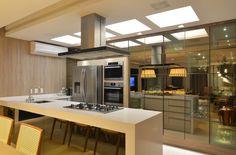 Busca imágenes de diseños de Cocinas estilo moderno de ANNA MAYA & ANDERSON SCHUSSLER. Encuentra las mejores fotos para inspirarte y crear el hogar de tus sueños.