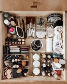 Bathroom Drawer Organization, Bathroom Organisation, Makeup Organization, Closet Organization, Organize Bathroom Drawers, Organizing, Home Decoracion, The Home Edit, Bathroom Closet