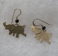 $5.00 Silvertone Elephant Earrings (82515-1366MS) jewelry, collectibles #Unbranded #DropDangle