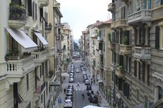 La Spezia in Italy is primarily known as a convenient stop over on the way to Cinque Terre. But the second largest town in Liguria has more to offer. Here is our list of 5 things to do in La Spezia.