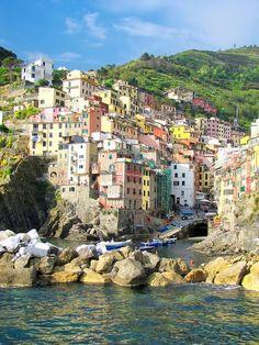 Le splendide Cinque Terre: Cinque Terre - Riomaggiore, Italy >> Guarda le nostre Offerte!