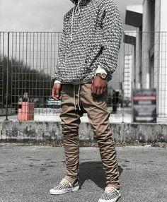 9 Fascinating Tips: Urban Fashion Show Fall 2015 mens urban wear fashion ideas.Women's Urban Fashion Closet urban fashion for men ray bans.Urban Fashion For Women Spaces. Black Urban Fashion, Urban Fashion Girls, Men's Fashion, High Fashion, Fashion Boots, Trendy Fashion, Fashion Dresses, Queer Fashion, Fashion Styles