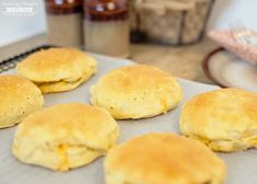 Awesome Grab and Go Breakfast idea: Bacon, Egg and Cheese Stuffed Biscuits Stuffed Biscuits, Cheese Biscuits, Bacon Egg And Cheese, Sausage And Egg, Bacon Muffins, Egg Muffins, Baked Pumpkin Oatmeal, Grab And Go Breakfast, Breakfast Biscuits