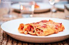 C: Chorizo-camembert-cashewcannellonit ja chili-cantaloupe-chutneyciabatta