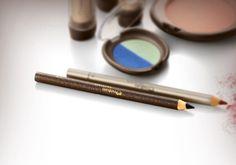 Lápis para Olhos Aquarela possui textura macia e traços precisos e cor intensa para olhos marcantes e com destaque.Parte integrante da coleção de Natura. por R$ 19,80