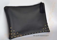 Nice idea for bling Leather Bag Tutorial, Leather Pouch, Leather Purses, Leather Handbags, Handmade Handbags, Leather Bags Handmade, Leather Craft, Pinterest Design, Embroidery Bags