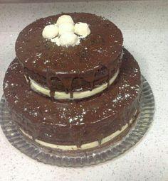 Naked Cake de Massa de Chocolate recheado com Brigadeiro de Chocolate e Brigadeiro de Leite Ninho
