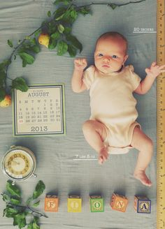 Birth announcement with unique composition and baby stats