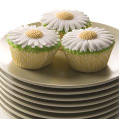 Daisy Cupcakes | Country Kitchen SweetArt Cake, Candy and Cookie Ideas