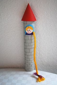 de The post Rapunzel basteln appeared fir… Awaken Rapunzel Kinderspiele-Welt.de The post Rapunzel tinkeln appeared first on DIY Projekte. Toddler Crafts, Preschool Crafts, Diy Crafts For Kids, Fun Crafts, Arts And Crafts, Fairy Tale Crafts, Pringles Can, Toilet Paper Roll Crafts, Diy Garland