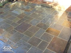 Google Image Result for http://www.rochaconstruction.com/patios/flagstone_patio_04.jpg