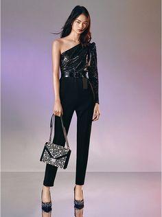 Vestito nero con paillettes Guess, outfit per natale e