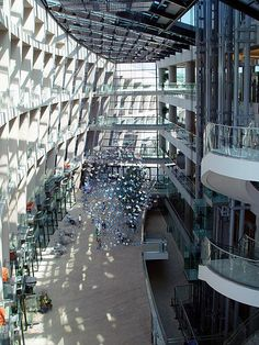 Salt Lake City Public Library building, architect: Moshe Safdie, interior view of entrance gallery