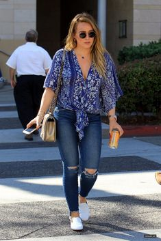 Curvy Outfits, Chic Outfits, Fashion Outfits, Casual Mom Style, My Style, Hilary Duff Style, Hilary Duff Fashion, Curvy Celebrities, Angeles
