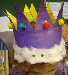 crown 2010 Source by Sunday School Decorations, Birthday Decorations, Diy For Kids, Crafts For Kids, Kids Sunday School Lessons, Crafts To Make, Diy Crafts, February Holidays, Diy Carnival