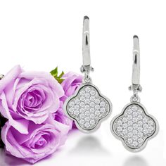 Pendientes de novia con pavé de circonitas. Cubic Zircon Pavé bridal earrings. Precious earrings for the bride. www.niobejoyas.com