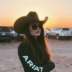 Casual Fall Outfits That Will Make You Look Cool – Fashion, Home decorating Cute Cowgirl Outfits, Country Style Outfits, Southern Outfits, Rodeo Outfits, Country Fashion, Western Outfits, Country Girl Style, Cute Outfits, Western Dresses