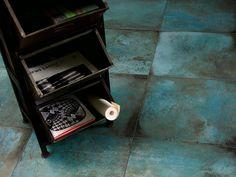 La Collezione Ceramica #3, progettata da Creo design&consulting affonda le proprie radici stilistiche e trae spunto da quell'architettura del passato, giunta fino a noi intatta nella sua bellezza ma consunta nei materiali. L'aver progettato il prodotto è stato fondamentale per il lavoro di agenzia che si è tradotto nella realizzazione degli scatti fotografici per il catalogo di prodotto. http://www.creodesignconsulting.it/portfolio/collezioneceramica3/