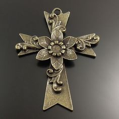 6pcs Antique Style Bronze Tone Alloy Flower Cross Religion Pendant Charms 73mm #5beads #AntiquedFashionBeautyCreativeTrendyFancyCute