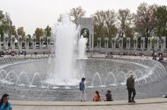 Fountain at the WWII memorial - Washington, D.C. | 21 Extravagant Fountains From Around The World
