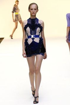 See the complete Christopher Kane Spring 2007 Ready-to-Wear collection.Model: Kasia Wrobel