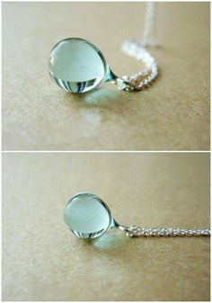 Such a delicate necklace