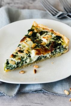 Spinach Quiche with Feta - Food / Drink - . - Spinach Quiche with Feta – Food / Drink – - Spinach Quiche, Spinach And Feta, Vegetarian Recipes, Cooking Recipes, Tasty, Yummy Food, Soul Food, Easy Dinner Recipes, Food Inspiration