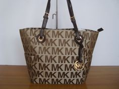 Michael Kors Leather Chain Tote Vanilla MK 1010