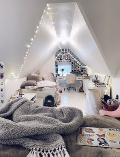 creative ways dream rooms for teens bedrooms small spaces 41 ~ mantulgan.me creative ways dream rooms for tee. Teen Room Decor, Room Ideas Bedroom, Dream Bedroom, Girl Bedroom Designs, Bedroom Small, Girls Bedroom, Diy Bedroom, Attic Bedroom Ideas For Teens, Master Bedroom