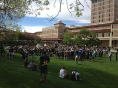 Another gathering of students by the Duane Physics building. #cu420 (Photo credit: Robert R. Denton)
