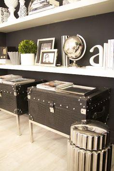 living room blanket storage Home-Styling: Portfolio Interior Decorating, Interior Design, Interior Styling, Decorating Ideas, Decor Ideas, Black Walls, Room Accessories, Decoration, Home Decor Inspiration