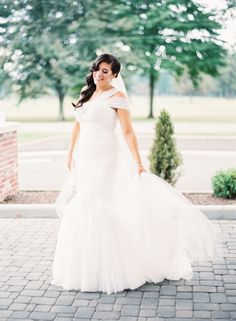 Modern + gorgeous trumpet wedding dress: http://www.stylemepretty.com/ohio-weddings/2016/02/01/elegant-ohio-blush-ballroom-wedding/ | Photography: Lauren Gabrielle - http://laurengabrielle.com/
