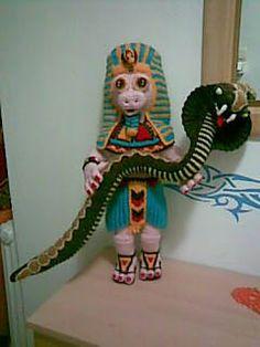2000 Free Amigurumi Patterns: Tut-Anch-Pig and King Cobra - Amigurumi Pharaoh and Snake