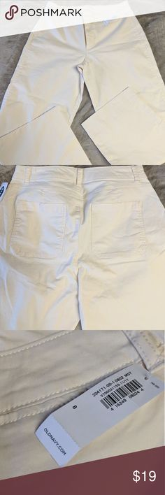 6d59aebf4 NWT Old Navy cream colored Jean capris Flawless size 8 Old Navy capris  machine wash cold