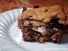S'mores Stuffed Chocolate Chip Cookie Bars