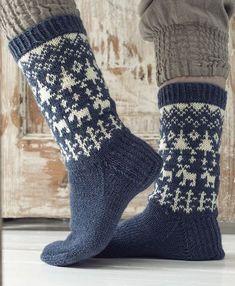 Woodpecker-embroidered hoodies by Novita Nalle, Sukkalehti 2015 - Knitting trend . Woodpecker-embroidered hoodies by Novita Nalle, Sukkalehti 2015 - Knitting trends Crochet Socks, Knitting Socks, Hand Knitting, Knit Crochet, Wool Socks, Fair Isle Knitting, Knitting Accessories, Knitting For Beginners, Knitting Projects